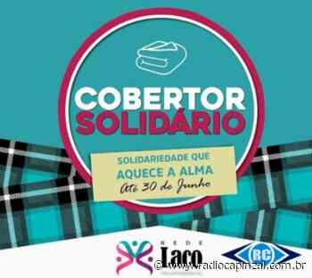 2ª Companhia da Polícia Militar de Capinzal participa da campanha para arrecadação de cobertores - Rádio Capinzal