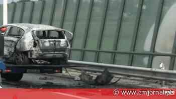 Carro incendeia-se após despiste na A43 em Gondomar - Correio da Manhã