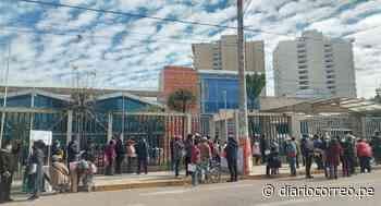Vacuna de mayores de 60 años inicia en Huancayo con gran aglomeración de personas (VIDEO) - Diario Correo