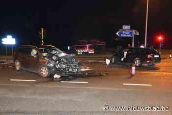 Drie gewonden na ongeval op N49 - Het Nieuwsblad