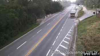 Tombamento de carreta interdita rodovia Mogi-Bertioga em Biritiba-Mirim - Mobilidade Sampa