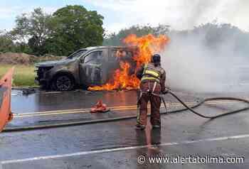 Se incendió camioneta de la Unidad Nacional de Protección en vías del Tolima - Alerta Tolima