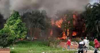 Manifestantes incendiaron el peaje de Villarrica en el norte del Cauca - Blu Radio