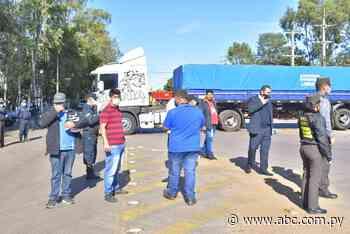 Camioneros cierran ruta en Villarrica - Nacionales - ABC Color