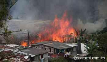 Incendio en Villamaría dejó 14 casas incineradas - Caracol Radio