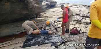 Homem cai de pedras e morre na Praia das Conchas, em Cabo Frio - Clique Diário