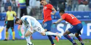 Juvenal Olmos golpea la pizarra y sorprende con línea de 3 en la formación de Chile - RedGol