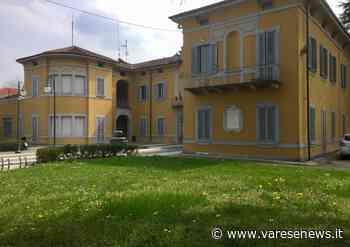 Lonate Pozzolo, la tettoia a casa dell'assessore viene segnalata come abuso - varesenews.it