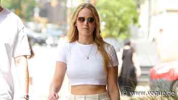 Jennifer Lawrence weiß, welche Hose Sie sich jetzt kaufen sollten - VOGUE Germany