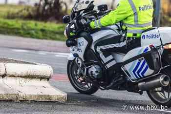 Fietsster lichtgewond na botsing met politiemotard in Hechtel - Het Belang van Limburg