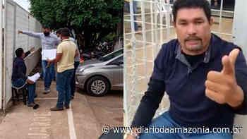 Desesperado, empresário se acorrenta em frente à prefeitura de Jaru - Diário da Amazônia