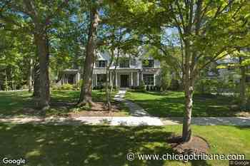 Chicago Bear Khalil Mack lists six-bedroom Glencoe mansion for $4.4M - Chicago Tribune