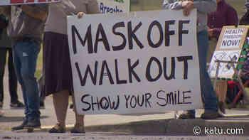 Students at Prairie High School protest against masks - KATU