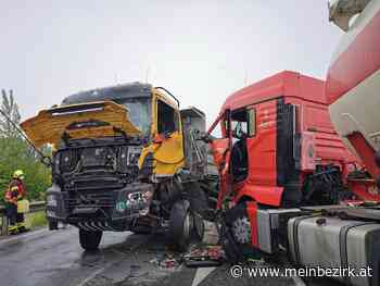 Schwertberg: Unfall auf B3-Kreuzung in Furth mit zwei Lkw und einem Auto - Perg - meinbezirk.at