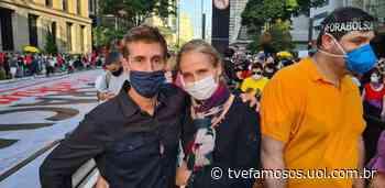 """Em ato, Dinho Ouro Preto diz que """"Bolsonaro é mais nocivo que o vírus"""" - UOL"""