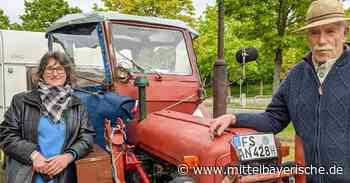 Ehepaar mit Oldtimer-Traktor macht Halt in Berching - Mittelbayerische
