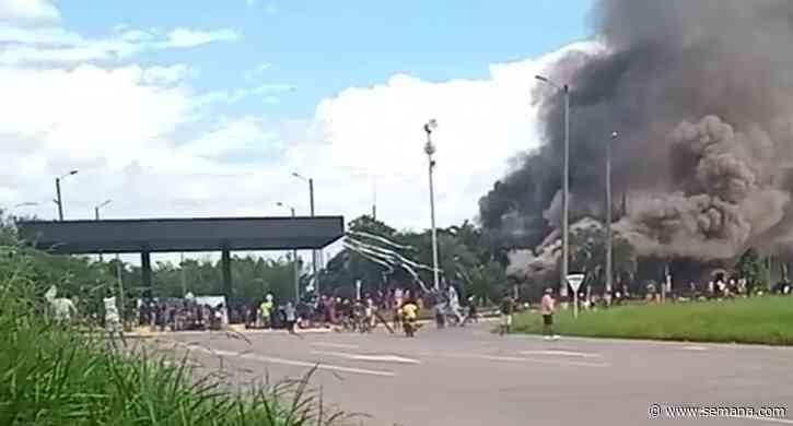 En video | Reportan quema del peaje de Villa Rica, en el norte del Cauca - Semana