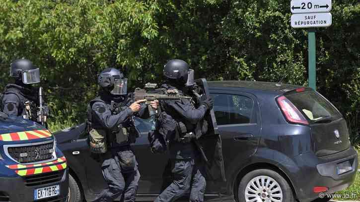 """EN DIRECT - La Chapelle-sur-Erdre : selon l'otage, le suspect n'a fait à aucun moment """"état d'une revendication de type terroriste"""" - LCI"""