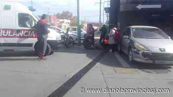 Fuerte choque en la Esquina Colorada dejó a un motociclista herido - Diario La Provincia SJ