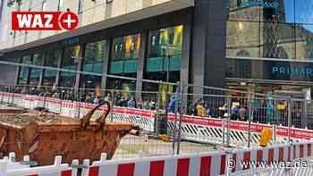 Testpflicht weg: Lange Schlangen vor Geschäften in Essen - WAZ News