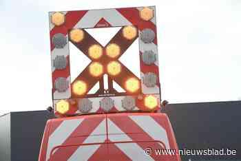 Snelweg A19 tijdlang afgesloten nadat wagen over de kop gaat