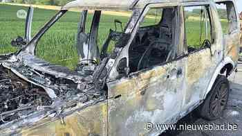 Jeep gaat in vlammen op