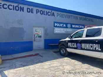 """Policías de Monclova piden """"moche"""", conductor les da su tarjeta y la saquean en cajero automático - Vanguardia MX"""