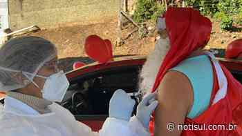 'Papai Noel' é vacinado em Cocal do Sul contra a Covid-19 - Notisul