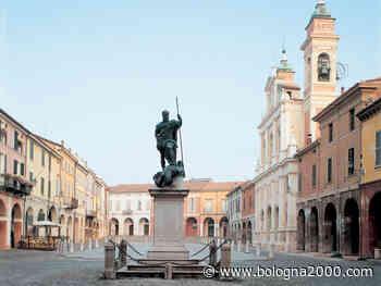 Prorogata l'ordinanza che rende pedonale Piazza Mazzini a Guastalla - Bologna 2000