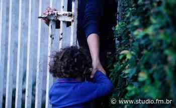Homem tenta sequestrar criança na saída de escola em Marau - Rádio Studio 87.7 FM   Studio TV   Veranópolis