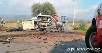 Mueren dos tras aparatoso choque en Rioverde - Pulso Diario de San Luis