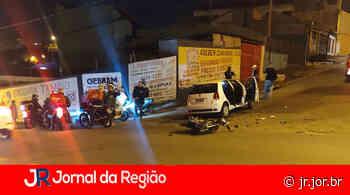 Carro e moto batem na rua Atibaia, em Jundiaí - JORNAL DA REGIÃO - JUNDIAÍ