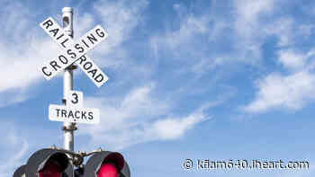 Train Strikes Vehicle on Tracks in Montebello, Metrolink Delays Reported   KFI AM 640 - KFI AM 640