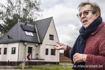 """Buren blikken terug op tv-renovatie 'spookhuis': """"Hopelijk raakt het snel verkocht voor die prijs"""" - Het Nieuwsblad"""