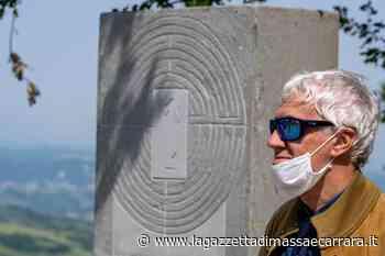 Taglio del nastro per la stele di Canossa sulla Via Matildica del Volto Santo - La Gazzetta di Massa e Carrara
