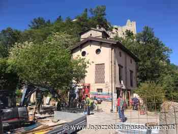 Canossa e Villa Minozzo: una grande stele arenacea e un nuovo ponte sulla Via Matildica del Volto Santo - La Gazzetta di Massa e Carrara