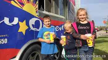 Tisdale residents enjoy food and sunshine at food truck event - CTV News Saskatoon