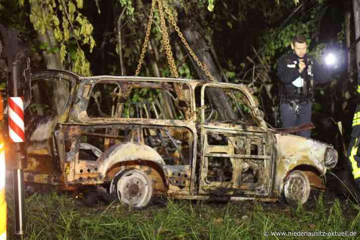 Tödlicher Unfall bei Lauchhammer. Trabant geht in Flammen auf - Niederlausitz Aktuell - NIEDERLAUSITZ aktuell