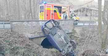 Unfall bei Neunkirchen-Seelscheid: Auto stürzt in Dreisbach - ga.de - ga.de