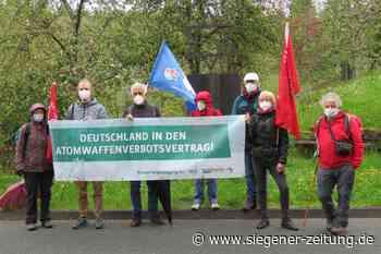 Station in Bad Berleburg: Naturfreunde Deutschlands wandern für den Frieden - Bad Berleburg - Siegener Zeitung