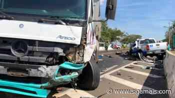 Caminhão de empresa de Adamantina se envolve em acidente na SP-294 - Siga Mais
