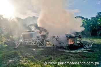 Un helicóptero de fumigación cae sobre un camión en Changuinola, hay un herido de gravedad - Panamá América