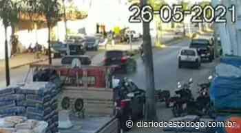 Vídeo: Veja o momento em que carro atropela motociclista em Formosa - Diário do Estado