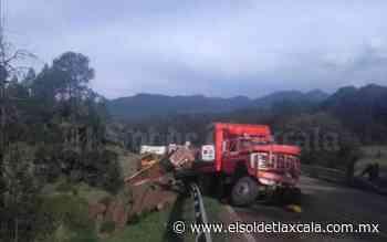 Chocan de frente unidades de carga sobre la carretera Tlaxco-Chignahuapan - El Sol de Tlaxcala