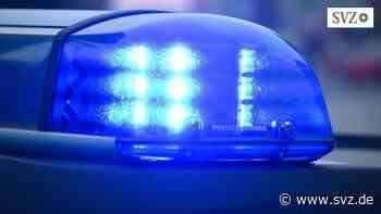 Auffahrunfall in Ribnitz-Damgarten: Auto fährt auf Motorradfahrer auf und verletzt diesen schwer   svz.de - svz.de