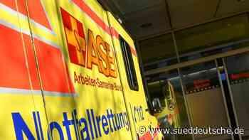 19 Jahre alter Autofahrer lebensgefährlich verletzt - Süddeutsche Zeitung