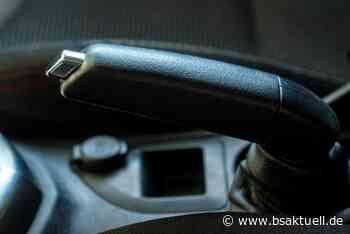 Illertissen: Fahrzeug eines Paketzustellers rollt los - BSAktuell