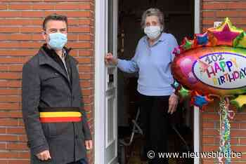 Bierbeek viert verjaardag van Maria Coopmans (102) - Het Nieuwsblad