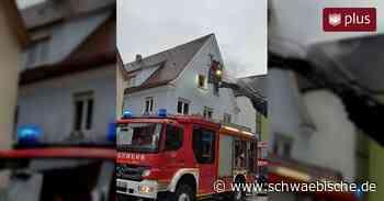 Feuer in Gebäude ausgebrochen - Brandursache unklar - Schwäbische