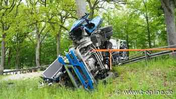 Berlin/Hoppegarten: 70-jähriger Lkw-Fahrer stirbt nach Unfall mit Pkw - t-online